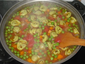 Hearty Tortellini Soup (5)