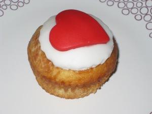 Raspberry Romance Cupcakes (27)