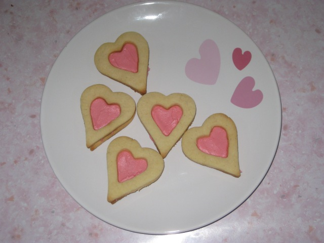 Rose And Vanilla Heart Sandwiches (12)