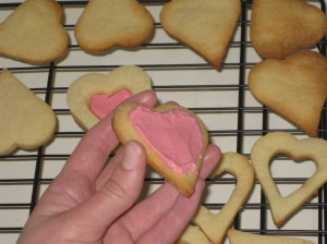 Rose And Vanilla Heart Sandwiches (8)