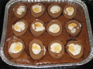 Creme Egg Brownies (14)
