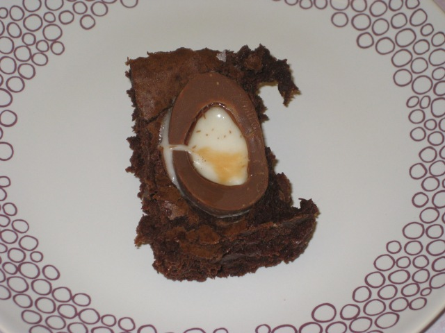 Creme Egg Brownies (15)
