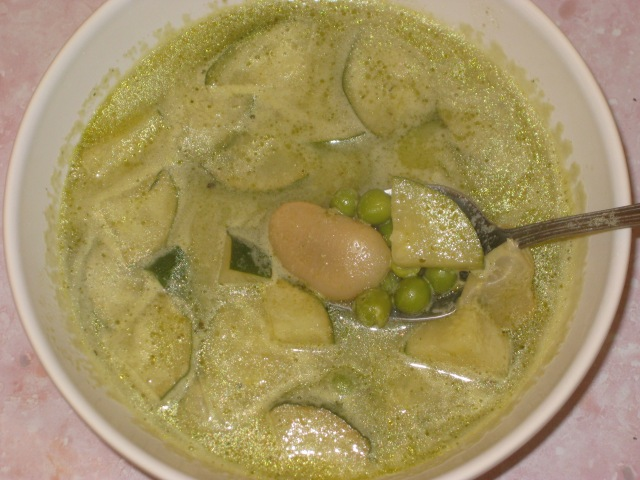 Courgette, Pea And Pesto Soup (8)