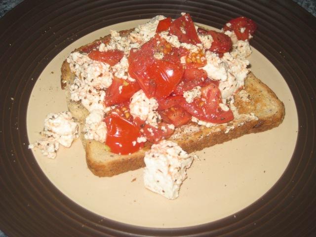 Tomato and Basil Tofu Scramble (9)