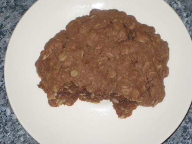 Choc Peanut Cookies (16)