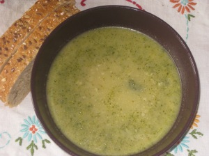 Chloe's Kitchen Cheesy Broccoli Soup
