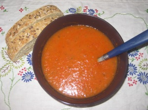 Deliciously Ella Roasted Tomato with Red Pepper and Basil Cannellini Soup