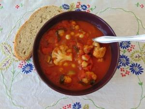 vegan-bowl-attack-roasted-cauliflower-soup-1