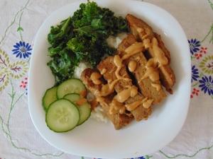 vegan-bowl-attack-seitan-satay-bowl-1