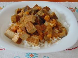 vegan-bowl-attack-sweet-pot-and-aub-curry-2