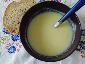 creamy-cauliflower-soup