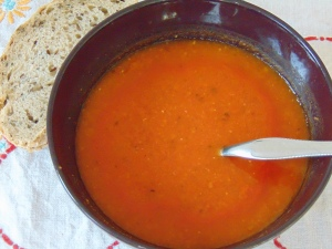 easy-storecupboard-tomato-soup-2
