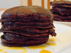 vegan-brunch-chocolate-pancakes