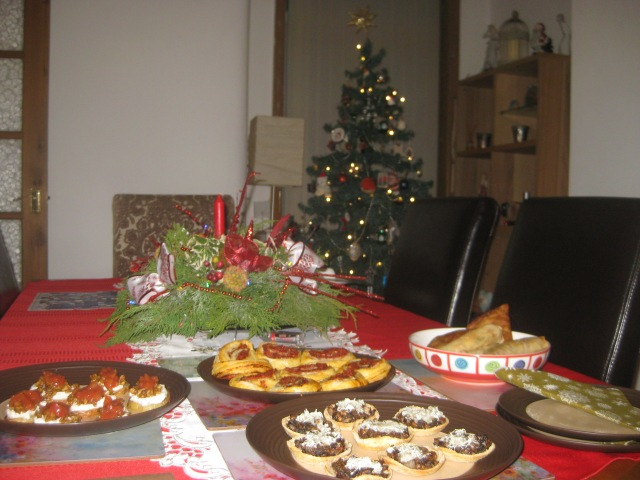 christmas-eve-party-tea-2